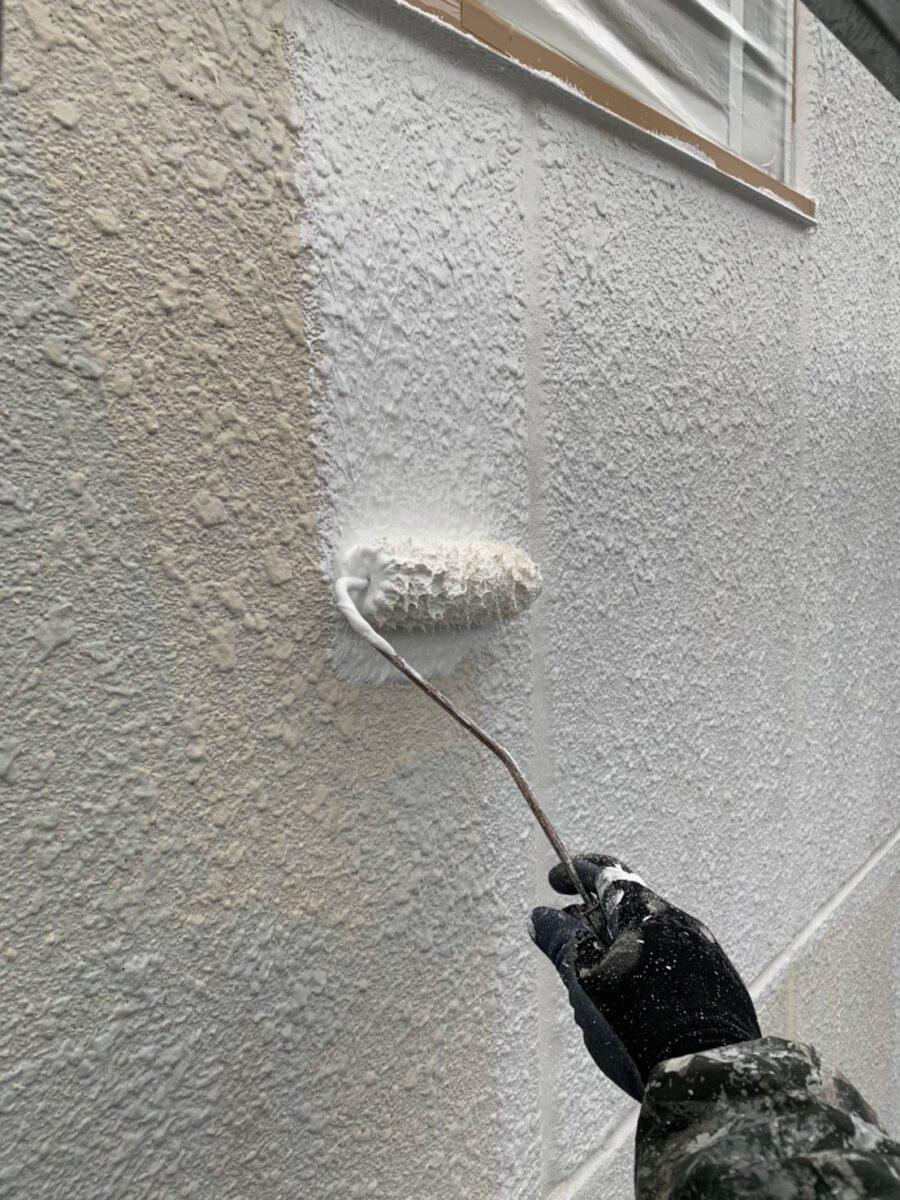 外壁下塗りの画像