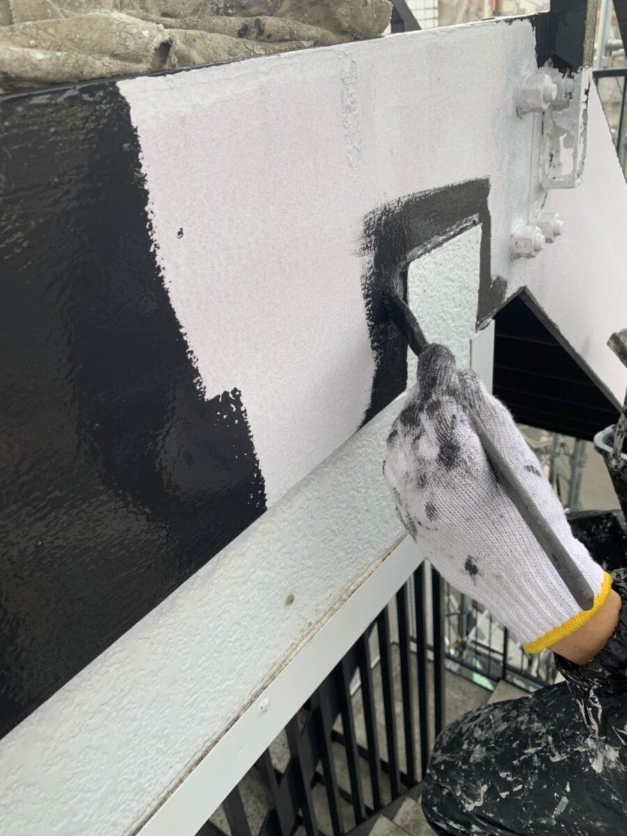 鉄骨階段塗装の画像