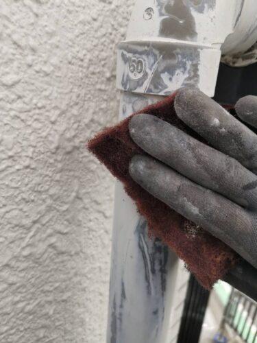 雨どい塗装工事の画像