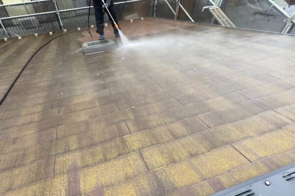 屋根の高圧洗浄の画像