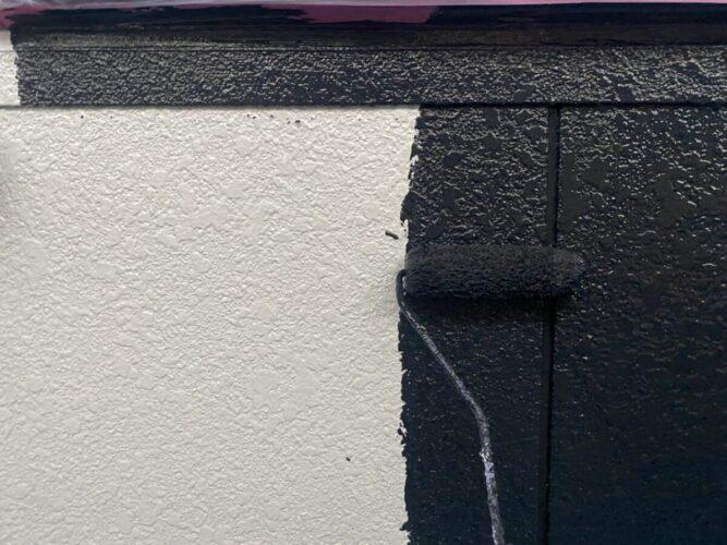 外壁塗装中塗りの画像
