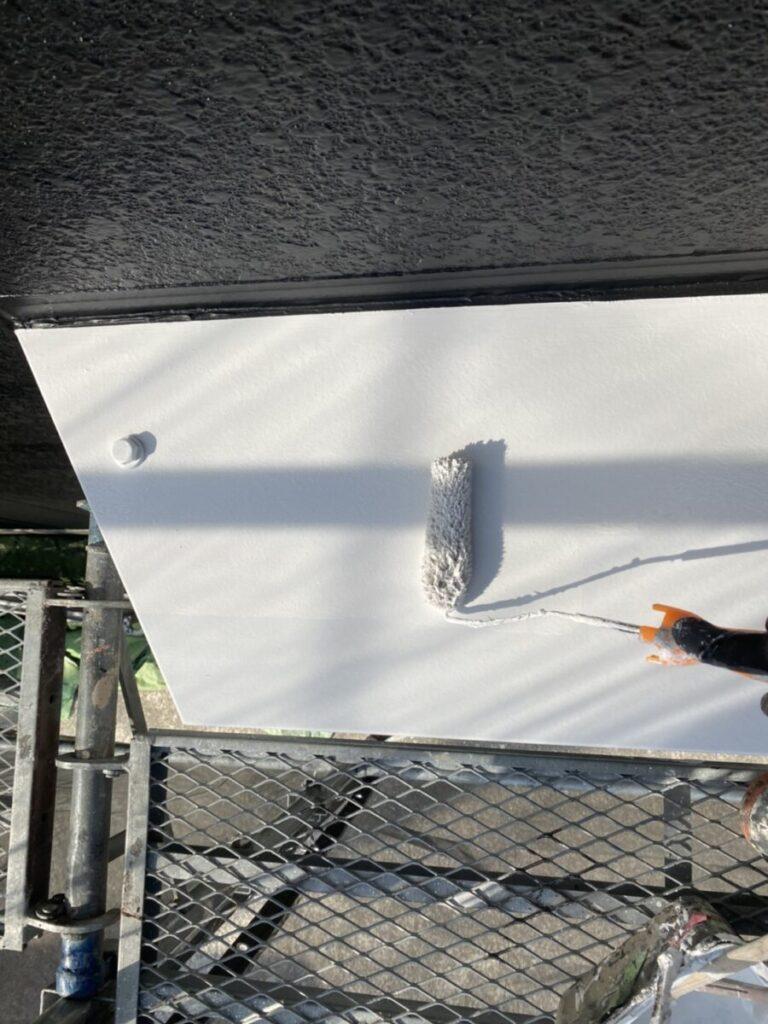出窓屋根の塗装の画像
