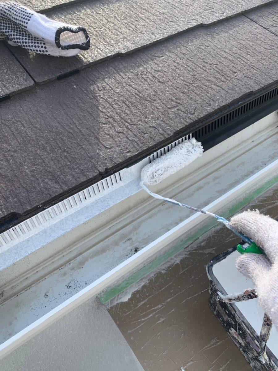 軒天井換気部材塗装の画像
