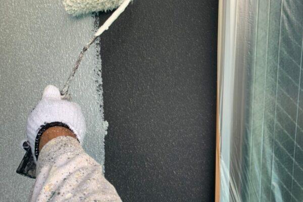 外壁塗装下塗りの画像