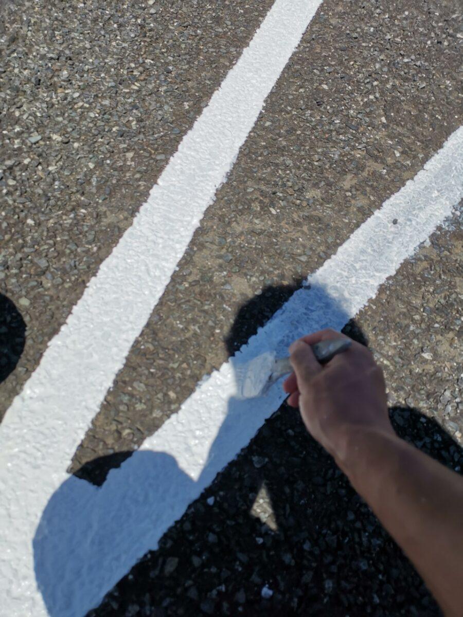 駐車場ライン塗装の画像