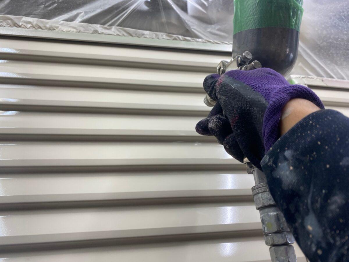 雨戸の吹き付け塗装の画像
